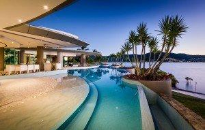 AQUA Luxe Houses